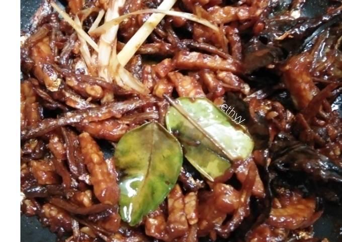 sambal goreng kering tempe ikan teri (tanpa kacang tanah) - resepenakbgt.com