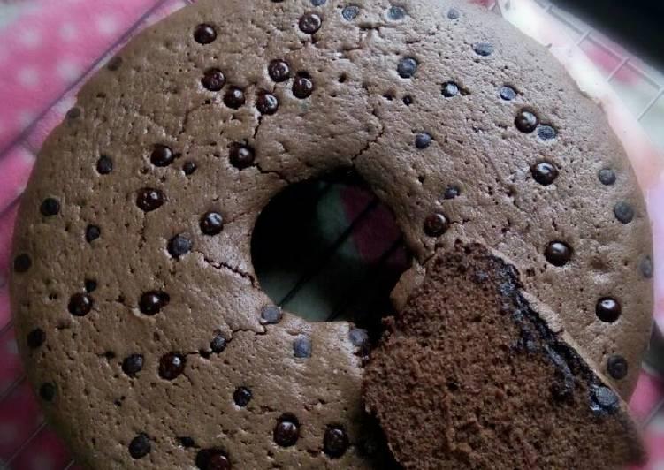 Resep Bolu Coklat Sederhana oleh Titi Haryanti - Cookpad