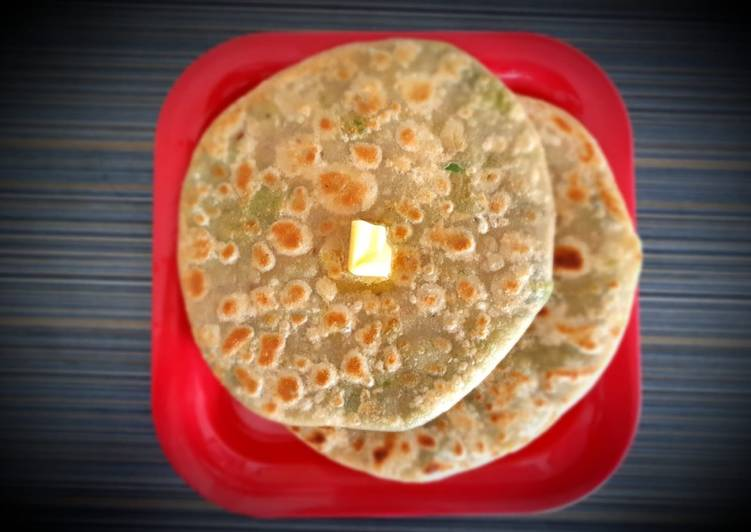 Steps to Make Super Quick Homemade Matar paratha