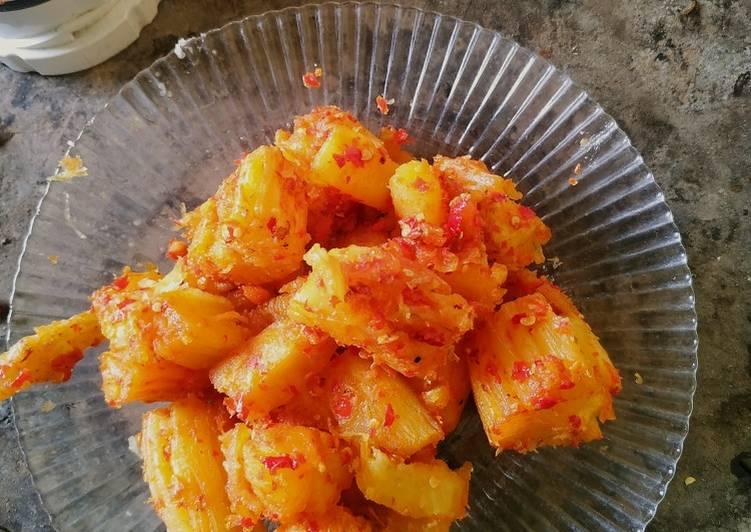 Singkong goreng pedas
