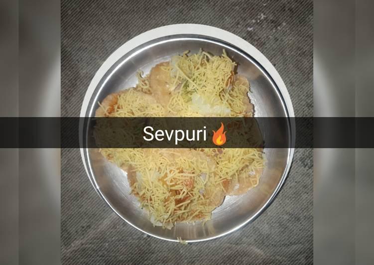 Sizzling Sev Puri
