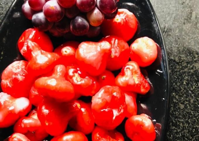 Rose apple + grapes juice
