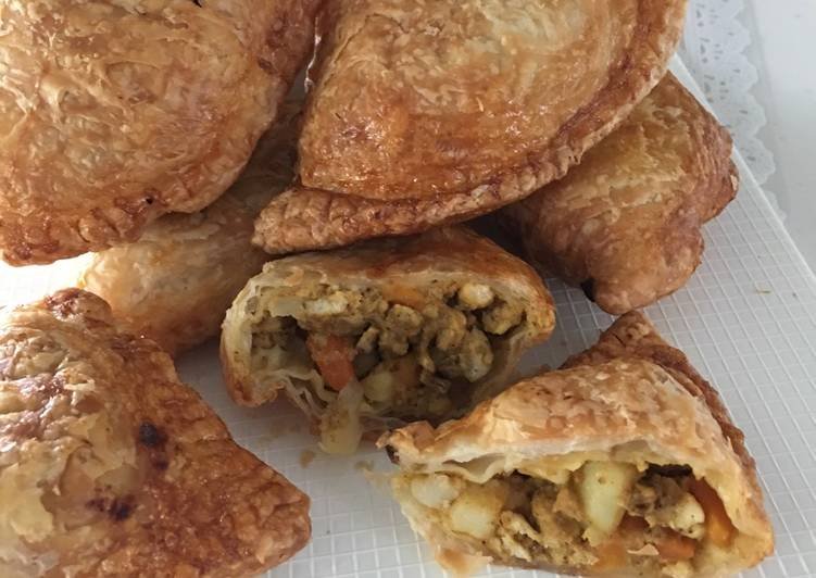 Airfried Chicken Curry Puffs using Store-bought Pratha Dough