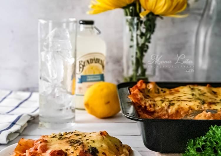 Chicken Lasagna - velavinkabakery.com