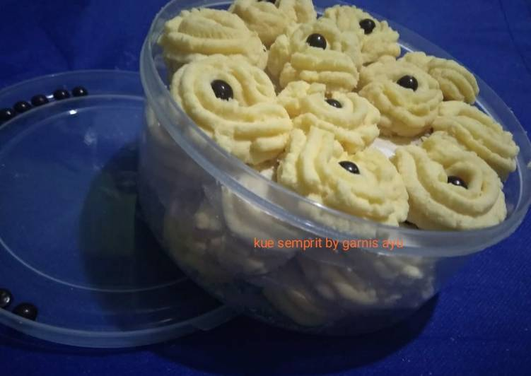 Kue semprit 4 bahan