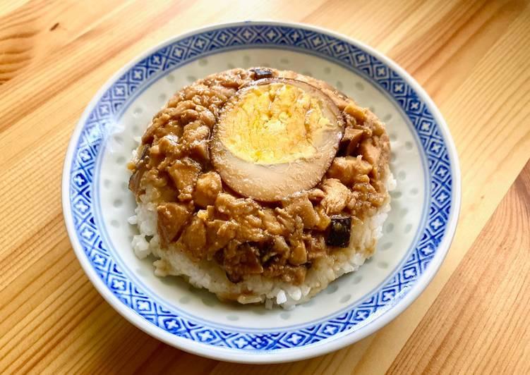 Nasi tim ayam dengan rice cooker
