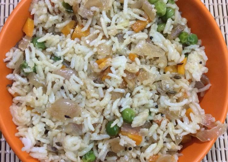 Easiest Way to Make Any-night-of-the-week Saffron Carrot and peas rice