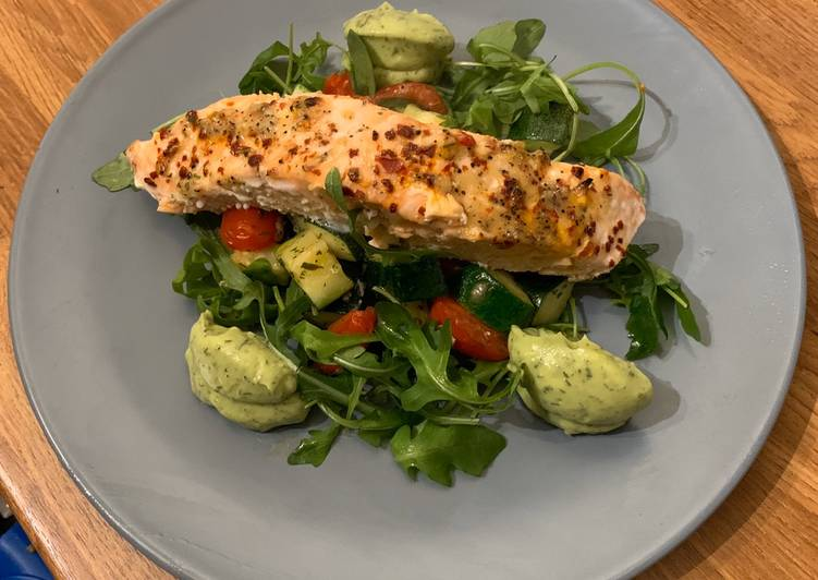 How to Prepare Favorite Roasted Salmon Courgette & Tomatoes Avocado & Dill pur??e Low Carb (Keto Friendly)