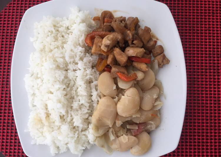 Pallares con saltado de pollo (sabor peruano-oriental)