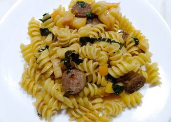 Easiest Way to Prepare Perfect Rotini with sausage and apples