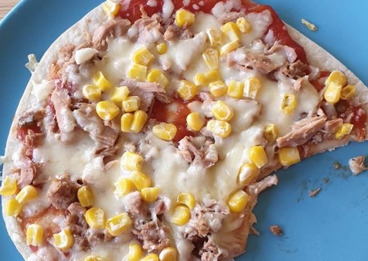 Super easy tortilla pizza