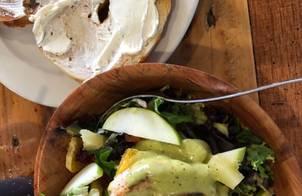 Salad trộn thịt ham xông khói