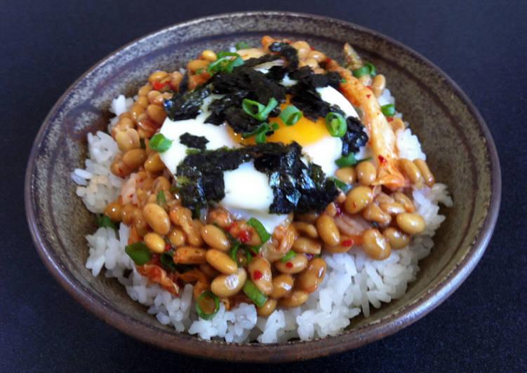 Nattō, Kimchi & Egg Rice Bowl