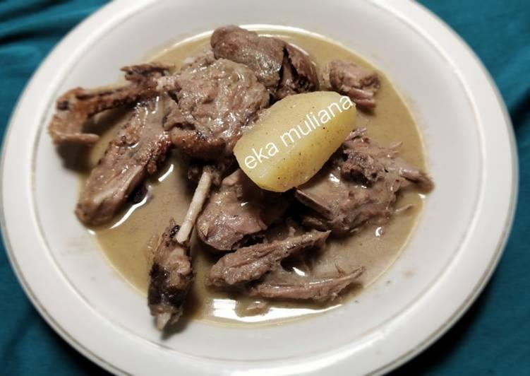 Bebek masak putih