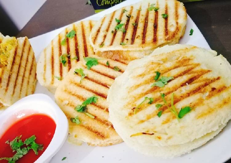 Grilled chicken shawarma bread