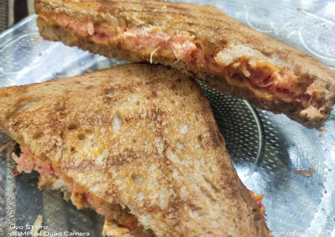 Brown bread Carrot sandwich