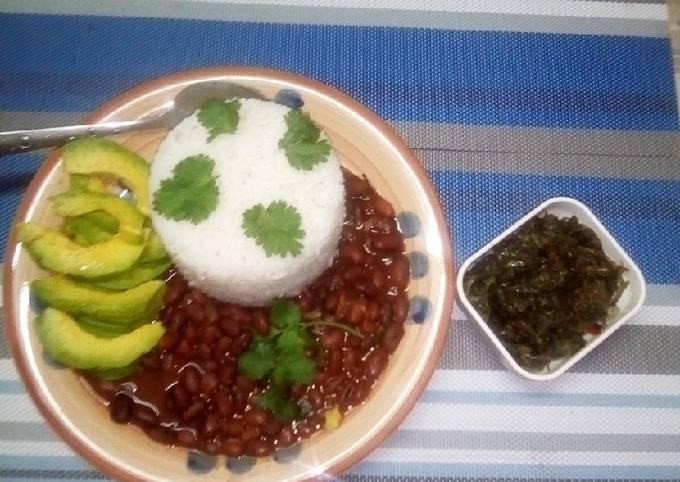 Rice&beans stew served with managu& mchicha#weeklyjikonichalleng