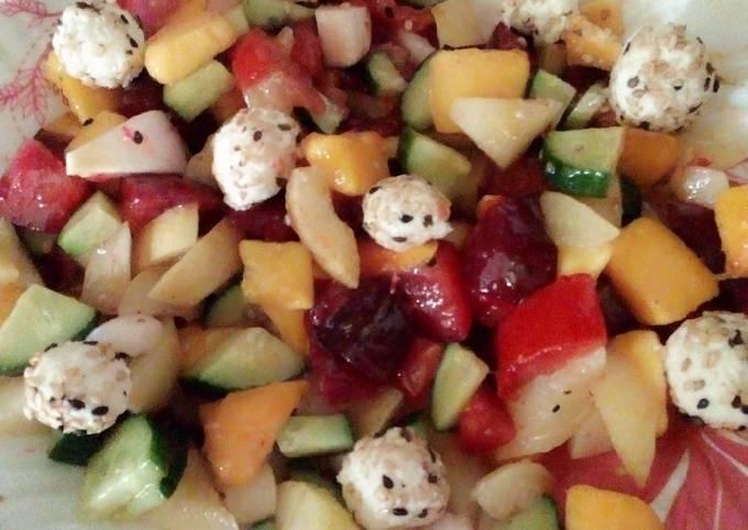 Healthy fruits cheesy salad