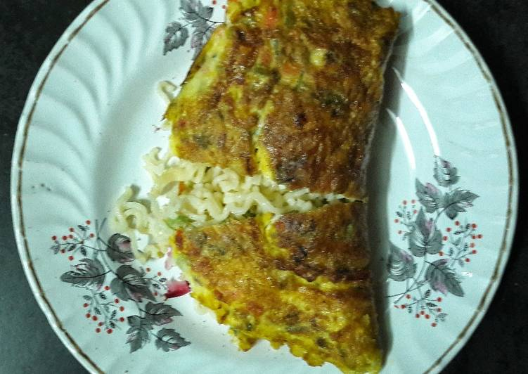Recipe: Tasty Noodles stuffed omelette