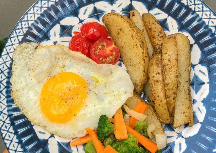 Grilled potatoes with egg