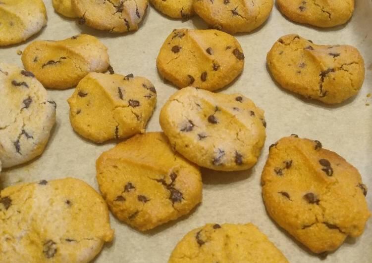 Biscotti con farina di mais e gocce di cioccolato fondente 🌽🍫