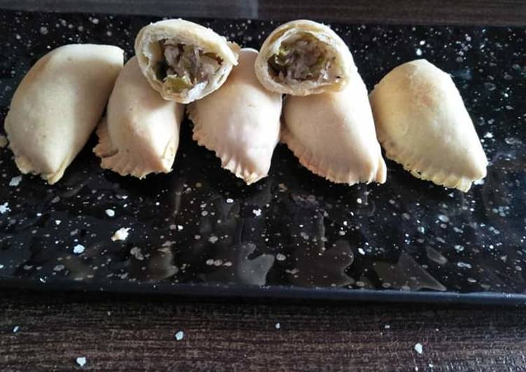 Farhali bake savory karanji