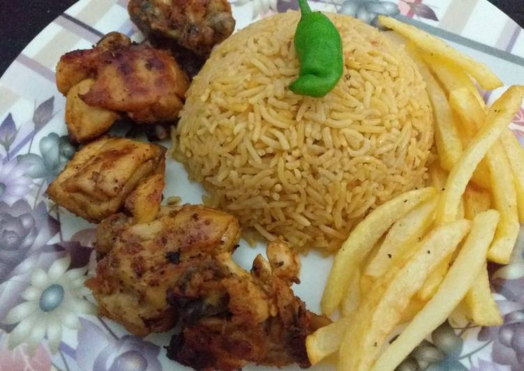 Easiest Way to Cook Perfect Smokey Chicken(BBQ in pan😍)with fried rice and fries