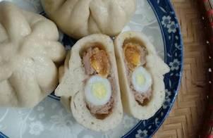 Làm bánh bao đầy đủ <3 (thịt băm, trứng muối và trứng cút)