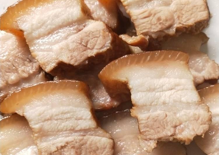 Bossam (boiled pork wraps)
