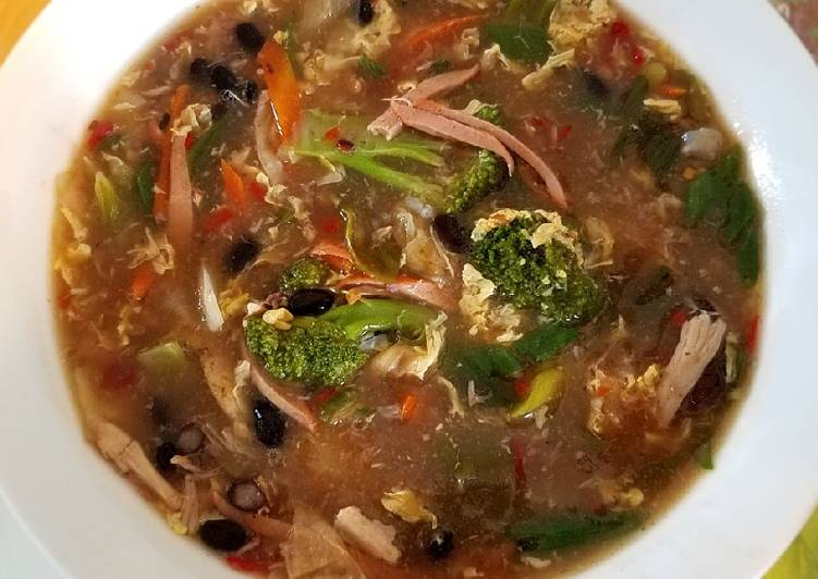 How to Cook Spicy and sour veggies with black bean egg drop soup 酸辣蔬菜黑豆羹