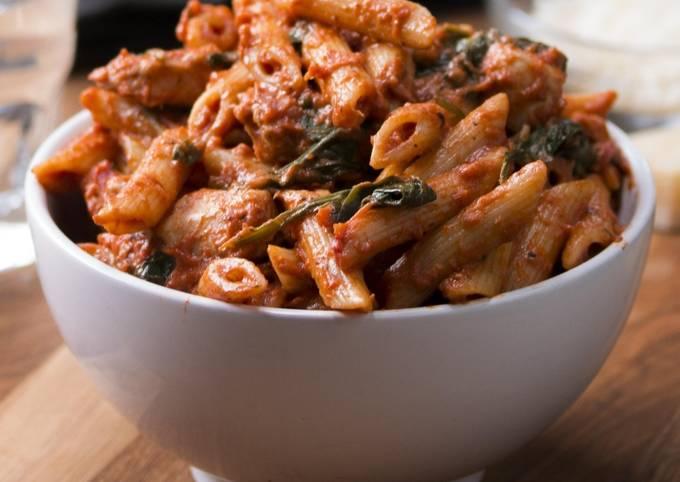 Spinach chicken pasta