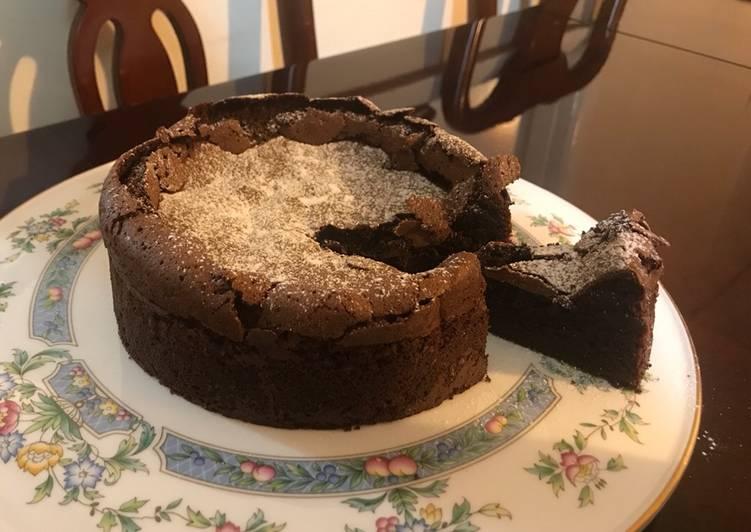 Gâteau au Chocolat: Delicious French Chocolate Cake (Gluten-free)