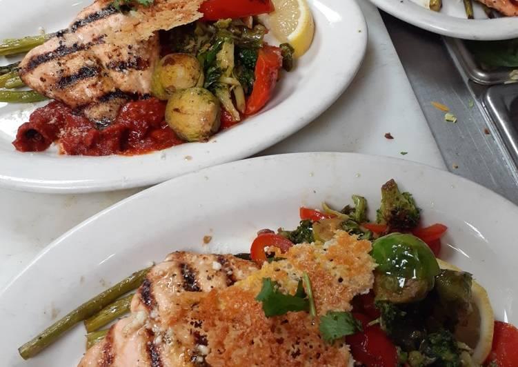 Recipe: Delicious Italian Veggie Salmon Grill