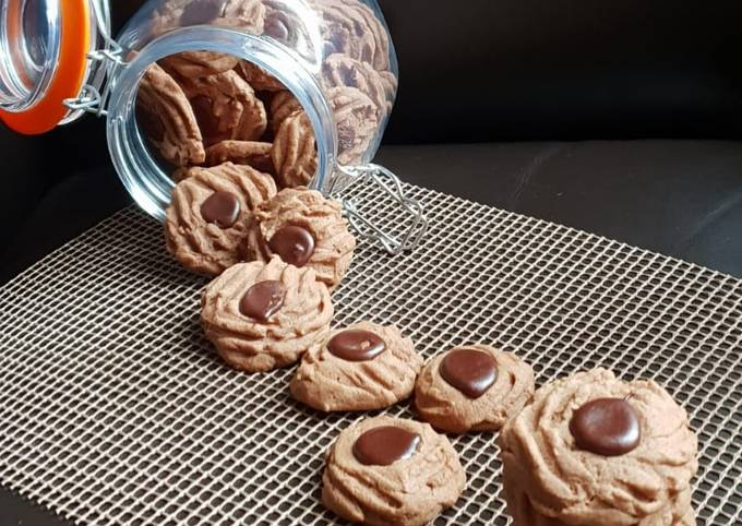 Chocolate Biscuit (bakery style)
