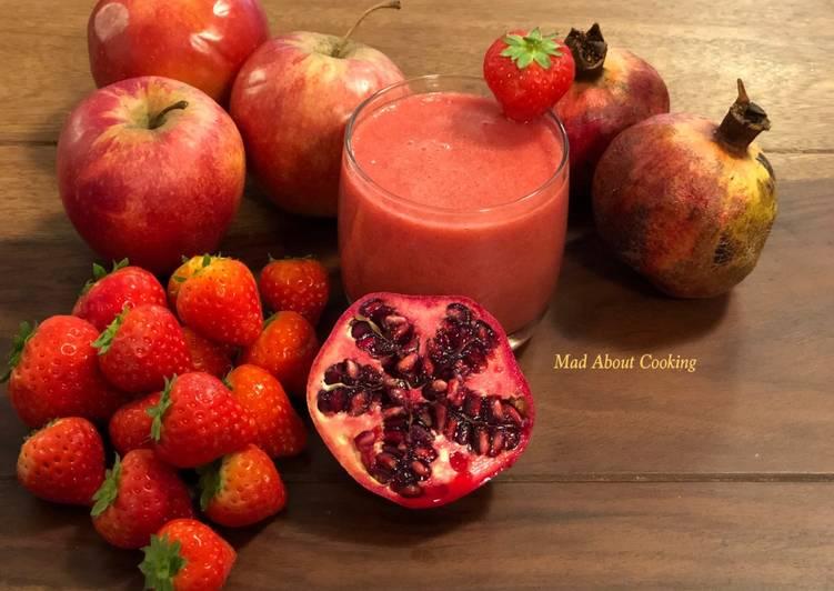 Pomegranate Strawberry Breakfast Smoothie – No Diary Drink