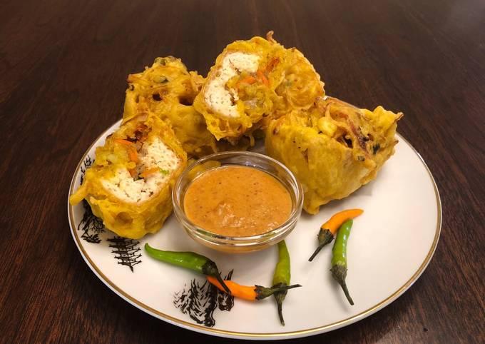 Indonesian Deep Fried Stuffed Tofu (Tahu Isi)