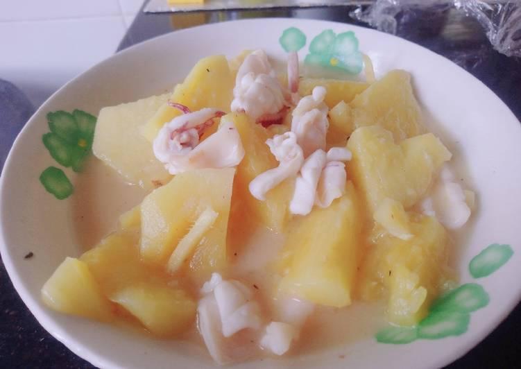 Fresh pineapple and squid