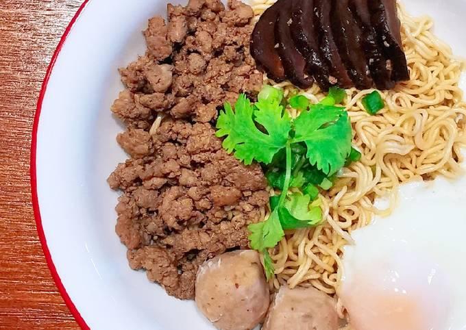 肉脞面 BAK CHOR MEE (MINCED MEAT NOODLES)