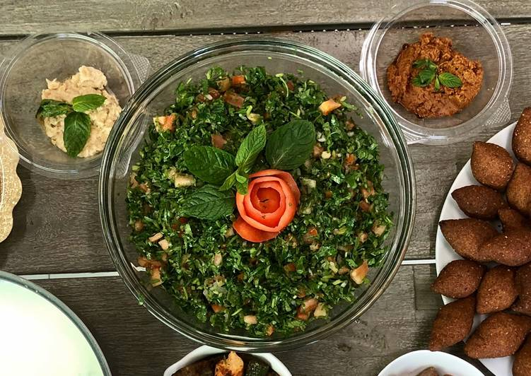 Recipe of Award-winning Tabbouleh - Lebanese parsley salad