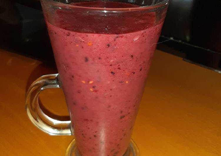 Simple Way to Prepare Super Quick Homemade Frozen Mixed Forest Fruit Smoothie