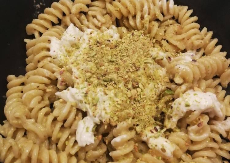 Ricetta Pasta con pesto di pistacchi e burrata