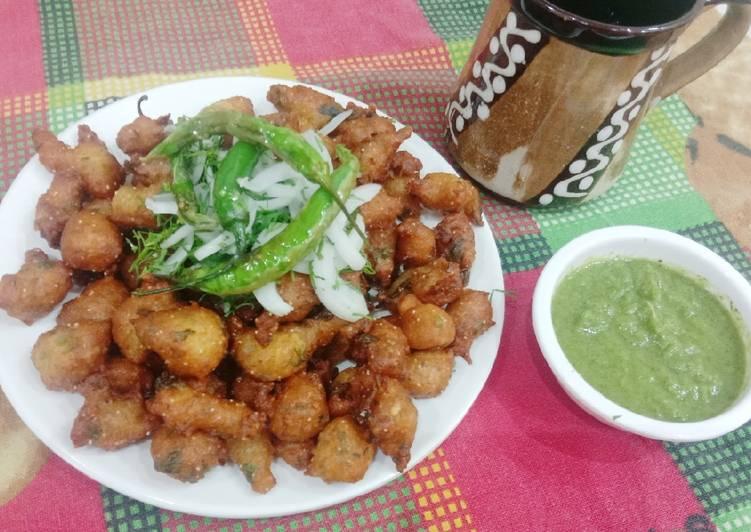 What is Dinner Easy Award Winning Moong Dal pakoda