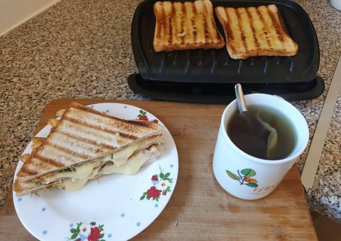 Recipe: Delicious Bread omelette