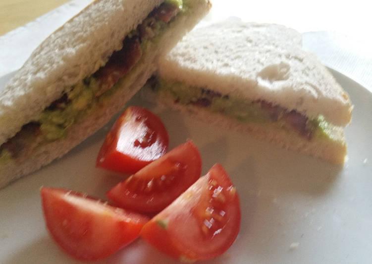 Recipe of Any-night-of-the-week Crispy bacon and avocado sandwich