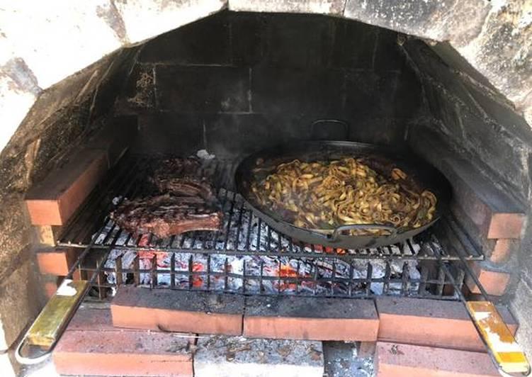 Côtes de bœuf au barbecue façon onglet à l'échalote et ses tagliatelles à la marinade