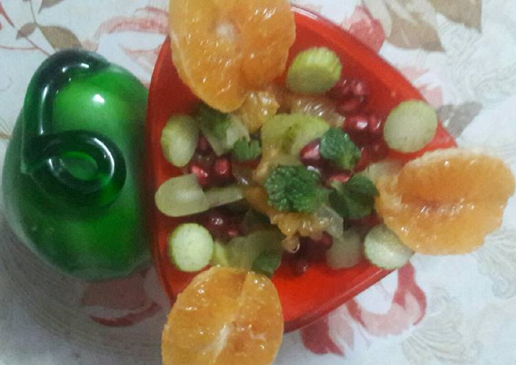 Healthy Fruits salad for summers