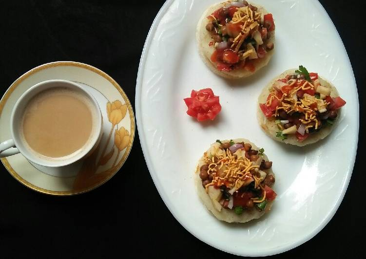 Easiest Way to Prepare Homemade Crispy bread chaat with tea