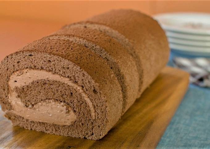 Cocoa Swiss Roll with Chocolate Cream