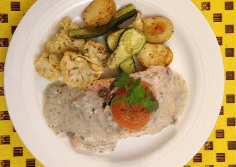 Salmon poached in mushroom cream