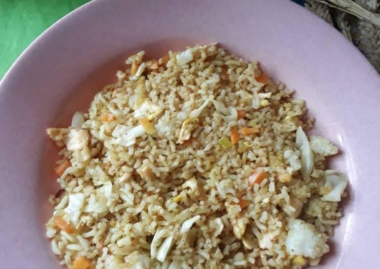 Nasi Goreng Kari Instan